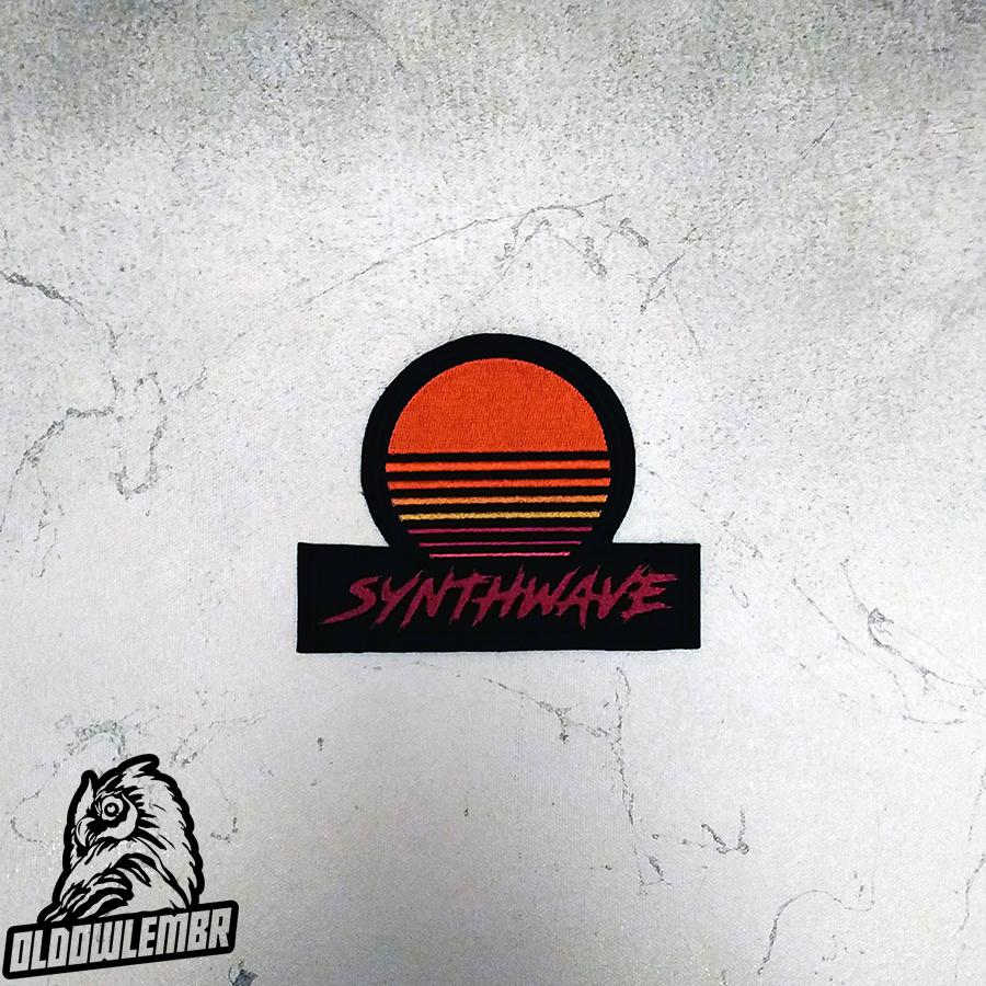 Patch Synthwave sun logo retrowave retro music.